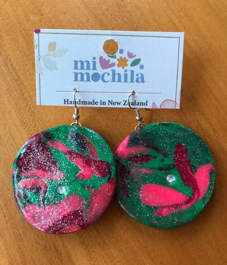Green & Pink circle (4.5cm) $15