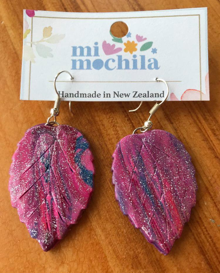 Pink glitter leaves (4 cm long) $15